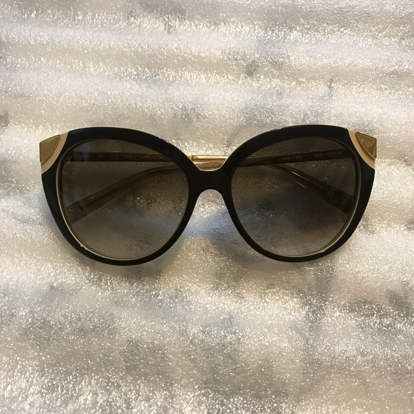 484fdc5469999 Louis Vuitton Accessories - Authentic Louis Vuitton Amber Sunglasses
